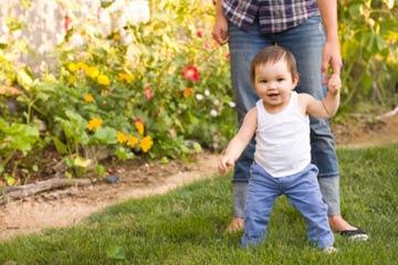Razvoj hoda kod dece sa oštećenim vidom